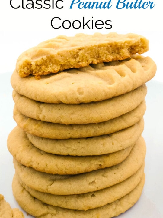 Classic Peanut Butter Cookies. This is an easy to make family favourite cookie recipe. I've been making these since I was a kid! | www.homestead-acres.com