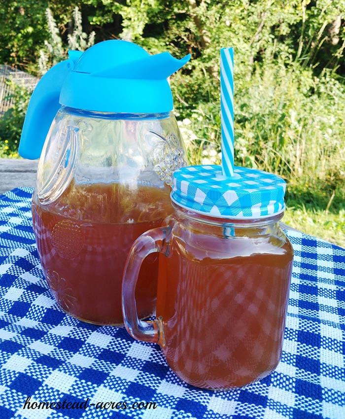 Easy Lemon Mint Iced Tea Recipe   www.homestead-acres.com