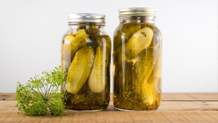 Easy Homemade Garlic Dill Pickle Recipe